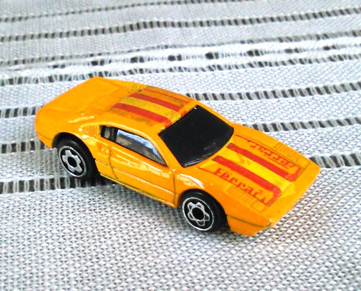 Coches a escala: Ferrari 308 GTS/GTB de Hot Wheels a escala 1:72.Chevy Mini Automagic.1977. Mattel. Hotwheels. Metal. - Foto 1 - 61102503