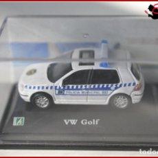 Coches a escala: TX 390 COCHES ESCALA 1:72 - HONGWELL - VOLKSWAGEN VW GOLF POLICIA MUNICIPAL. Lote 121267459