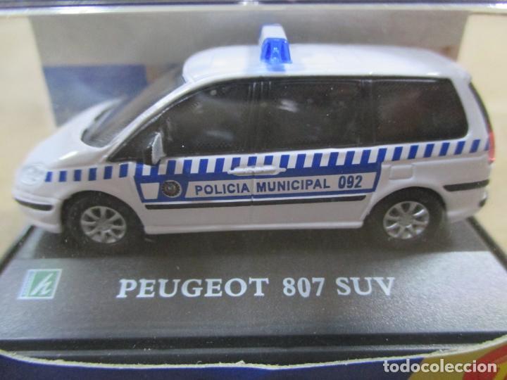 Coches a escala: ANTIGUO COCHE DE METAL 1/72 CARARAMA. ABG. PEUGEOT 807 SUV. POLICÍA MUNICIPAL. CON CAJA. 6 CM. - Foto 2 - 163548233