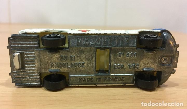 Coches a escala: ANTIGUO COCHE MAJORETTE Nº 206 - CITROËN TIBURÓN DS 21 AMBULANCIA. ESCALA 1/65 - Foto 7 - 160253918