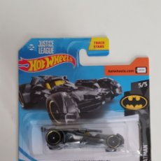 Coches a escala: HOT WHEELS BATMOBIL JUSTICE LEAGUE DC GRIS. Lote 161789065
