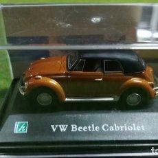 Coches a escala: VW BEETLE CABRIOLET - CARARAMA - 1/72. Lote 176350530