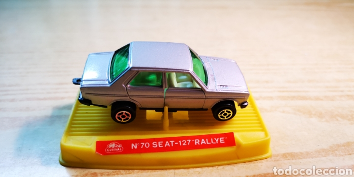 GUISVAL SEAT 131 CON CAJA DE SEAT 127 RALLY (Juguetes - Coches a Escala 1:72)
