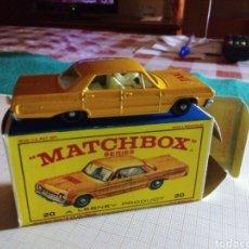 Coches a escala: MATCHBOX CHEVROLET IMPALA TAXI. Lote 186469290