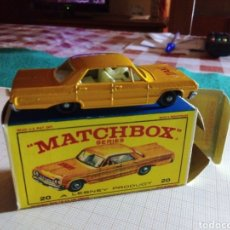Coches a escala: MATCHBOX CHEVROLET IMPALA TAXI. Lote 195122433