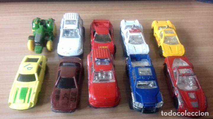 Coches a escala: Lote de coches a escala 1 / 72 - Foto 2 - 211980357