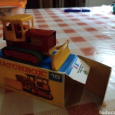 Coches a escala: MATCHBOX TRACTOR CASE. Lote 217666573