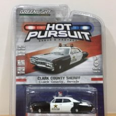 Auto in scala: GREENLIGHT 1/64 - SERIE 20 HOT PURSUIT - CHEVROLET BISCAYNE 1967 - CLARK COUNTRY SHERIFF DE NEVADA. Lote 218698445