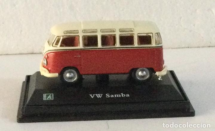 Coches a escala: Furgoneta Volkswagen VW Samba. E: 1:72 - Foto 2 - 288624833