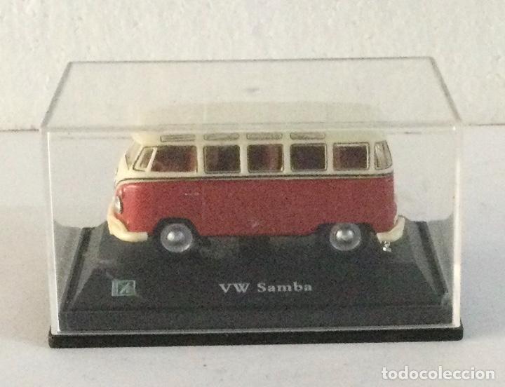 Coches a escala: Furgoneta Volkswagen VW Samba. E: 1:72 - Foto 4 - 288624833