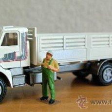 Modellautos - Camión Volvo NL10 Turbo 6x4 Conrad Escala 1:50 - 26481315