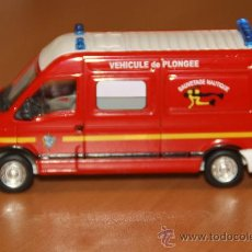 Coches a escala: AMBULANCIA DE BOMBEROS ESCALA 1/50. Lote 26965953