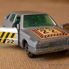Coches a escala: RARO AUTOMOVIL METALICO, CHRYSLER 150, AUTO PILEN, ESPAÑA. Lote 22349883