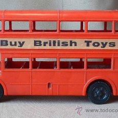 Coches a escala: COUVENIR, AUTOBUS INGLES, PLASTICO, MADE IN ENGLAND, TRAFALGAR-PICCADILLY CIRCUS, . Lote 23158728