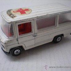 Auto in scala: AMBULANCIA MERCEDES BENZ DE GUISVAL ORIGINAL AÑOS 70-80 . Lote 27361327