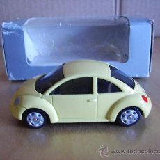 Coches a escala: MAISTO --- VOLKSWAGEN NEW BEETLE. Lote 46056585