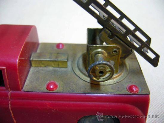 Coches a escala: ANTIGUO FURGONETA O CAMION DE BOMBEROS, MARCA L, FOREIGN, PLASTICO A FRICCION, FIRE ENGINE, ENGLAND - Foto 5 - 28799693