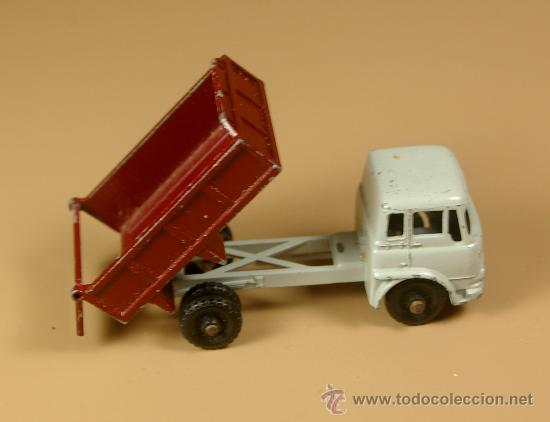 Coches a escala: LESNEY MATCHBOX Series 3b - CAMION BEDFORD 7 1/2 TON TIPPER Truck - Made in England 1961 - Foto 3 - 28977017