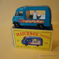 Coches a escala: MATCHBOX SERIES 47 LYONS MAID ICE-CREAM MOBILE SHOP WITH BOX. MADE IN ENGLAND BY LESNEY.. Lote 32085186