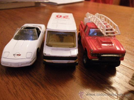 Coches a escala: 4 MAISTO. (no escala- 7 /7,5 cm): Corvette CR-1, Mercedes Van 397D, Bomberos, Porche 550 A Spayder. - Foto 2 - 34866293