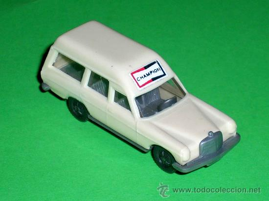 Coches a escala: Mercedes 200, esc. 1/87 H0, BVC made in Spain, Wiking copy, original años 70. - Foto 2 - 64118942