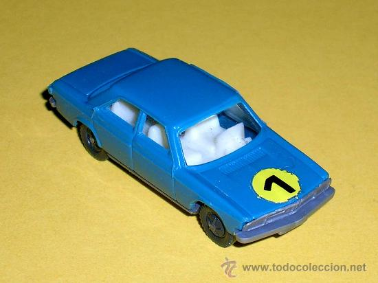 Coches a escala: Audi 100 azul, esc. 1/87 H0, BVC made in Spain, Wiking copy, original años 70. - Foto 2 - 35225586