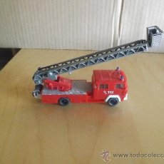 Coches a escala: WIKING --- CAMION MAGIRUS BOMBEROS 1/87. Lote 35434705