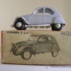 Coches a escala: MINI CARS.ANGUPLAS.CITROEN 2 CV.CON SU CAJA. Lote 35471351