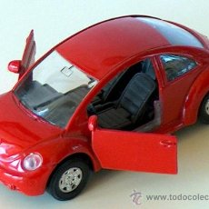 Coches a escala: VOLKSWAGEN NEW BEETLE ROJO 11,30 CM VW ESCARABAJO KÄFER. Lote 36480915