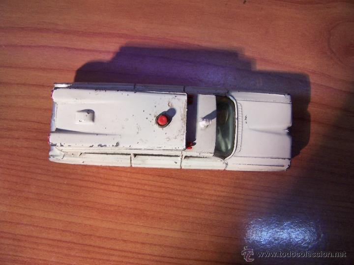 Coches a escala: Ambulancia DInky Toys años 60 - Foto 23 - 39340776