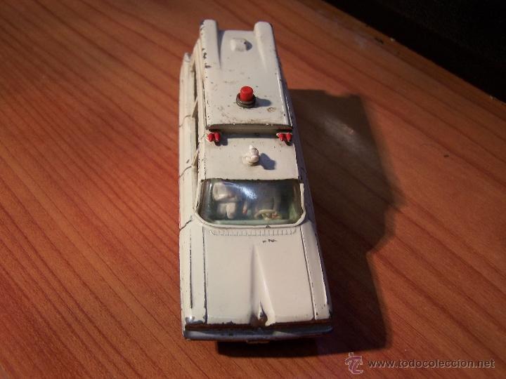 Coches a escala: Ambulancia DInky Toys años 60 - Foto 20 - 39340776
