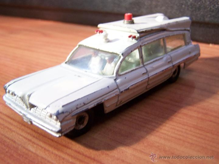 Coches a escala: Ambulancia DInky Toys años 60 - Foto 12 - 39340776