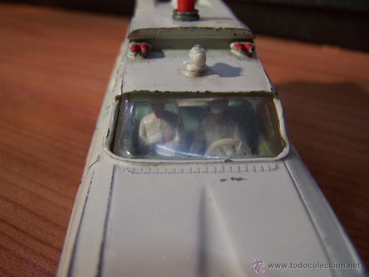 Coches a escala: Ambulancia DInky Toys años 60 - Foto 11 - 39340776