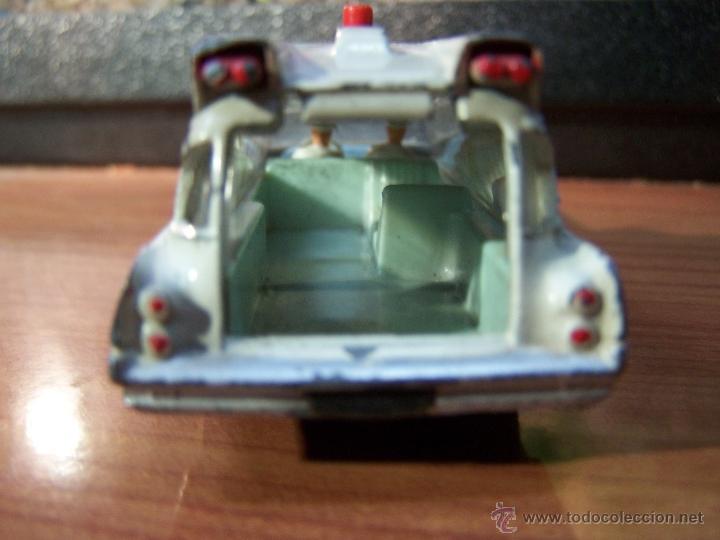 Coches a escala: Ambulancia DInky Toys años 60 - Foto 8 - 39340776