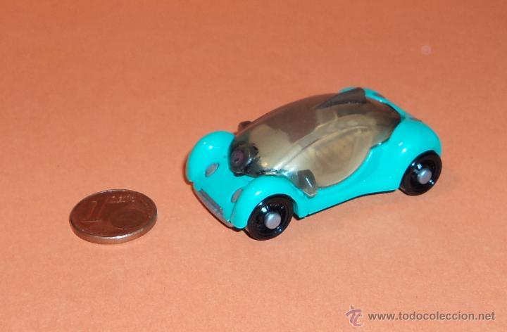 Coche de huevo kinder mpg 2s 365 comprar coches en for Coche huevo