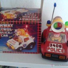 Coches a escala: COCHE DE JUGUETE HIGHWAY PATROL POLICE CAR. SALVAOBSTACULOS CON LUZ Y SONIDO 21 CMS. DE LARGO X 18 . Lote 47842934