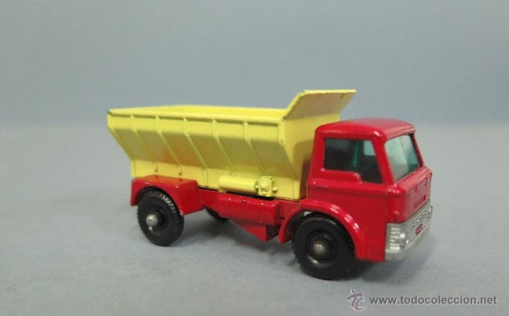Coches a escala: GRIT SPREADING TRUCK. 70. MATCHBOX. LESNEY. BUEN ESTADO - Foto 3 - 48009202