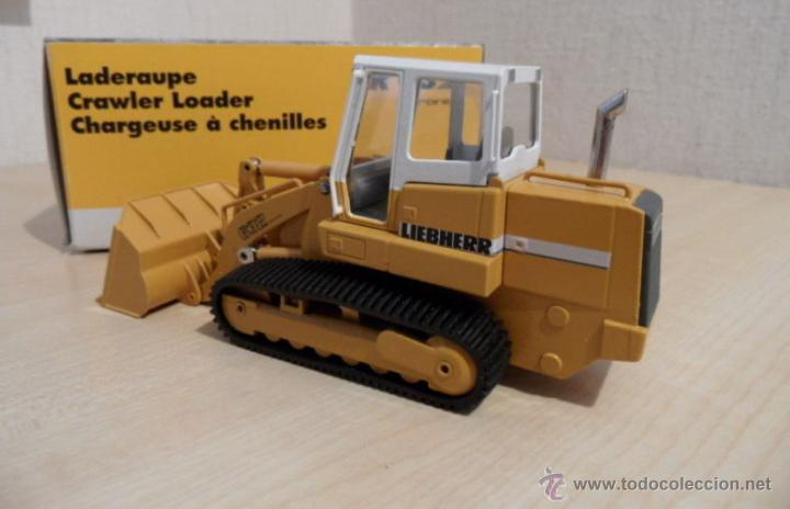 Coches a escala: Pala cargadora sobre cadenas Liebherr LR632 Conrad 1:50 - Foto 2 - 48961001