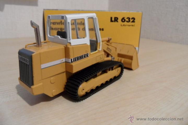 Coches a escala: Pala cargadora sobre cadenas Liebherr LR632 Conrad 1:50 - Foto 3 - 48961001