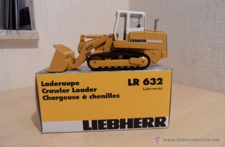 Coches a escala: Pala cargadora sobre cadenas Liebherr LR632 Conrad 1:50 - Foto 5 - 48961001