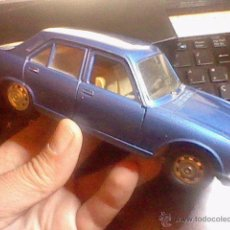 Coches a escala: PEUGEOT 504 GL 17CMS METAL POLISTIL ITALY 1/26. Lote 53102822