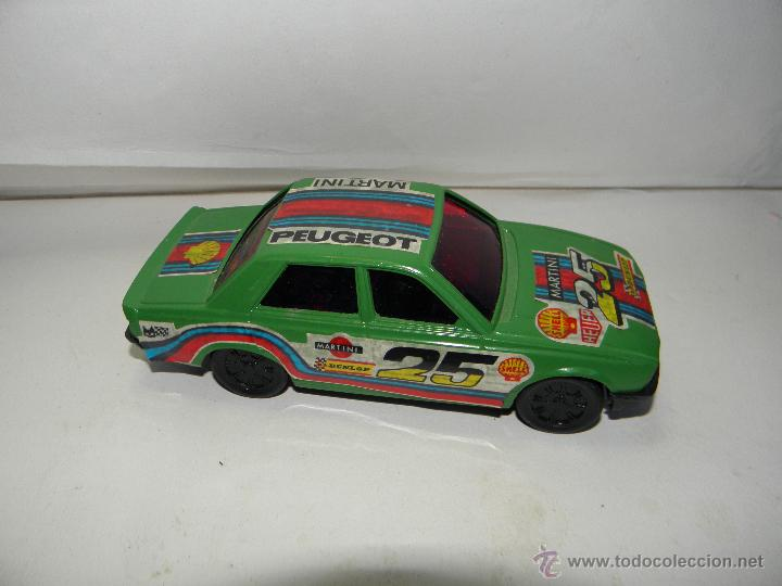 Coches a escala: PEUGEOT 505 GTD TURBO VERDE DE BORNAY MADE IN SPAIN - Foto 2 - 53648686