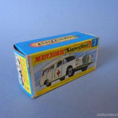Coches a escala: MATCHBOX LESNEY SUPERFAST 3 MERCEDES BENZ BINZ AMBULANCE CAJA VACÍA. Lote 56601902