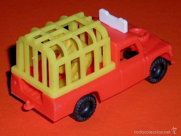 Coches a escala: Land Rover Santana Safari, plástico esc. 1/55, Vam Fabricado en España Zaragoza, original años 70. - Foto 2 - 57403448