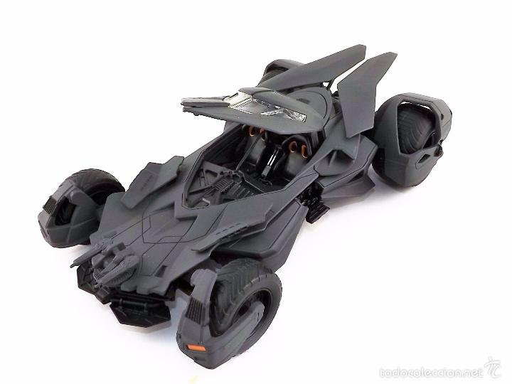 BATMOBILE BATMAN VS SUPERMAN 2015 (NUEVO A ESTRENAR) (Juguetes - Coches a Escala Otras Escalas )