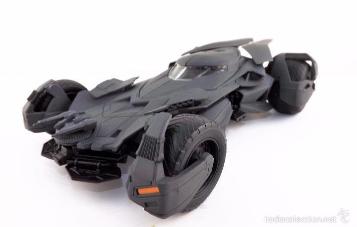 Coches a escala: Batmobile Batman Vs Superman 2015 (nuevo a estrenar) - Foto 3 - 161197294