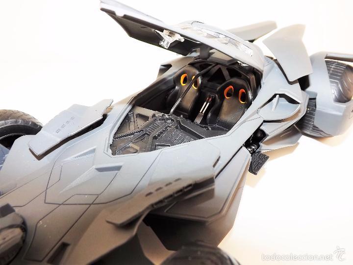 Coches a escala: Batmobile Batman Vs Superman 2015 (nuevo a estrenar) - Foto 10 - 161197294