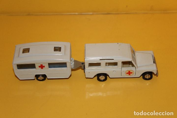Land Rover Defender Con Caravana Cruz Roja Mi Comprar Coches En