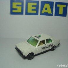 Coches a escala: SEAT 131 POLICIA DE GUISVAL CAMPEON 1,64. Lote 64762711