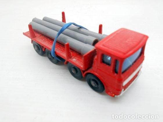56. LESNEY MATCHBOX ORIGINAL CAMION CARGA TUBOS PIPE TRUCK LORRY METAL MODEL (Juguetes - Coches a Escala Otras Escalas )